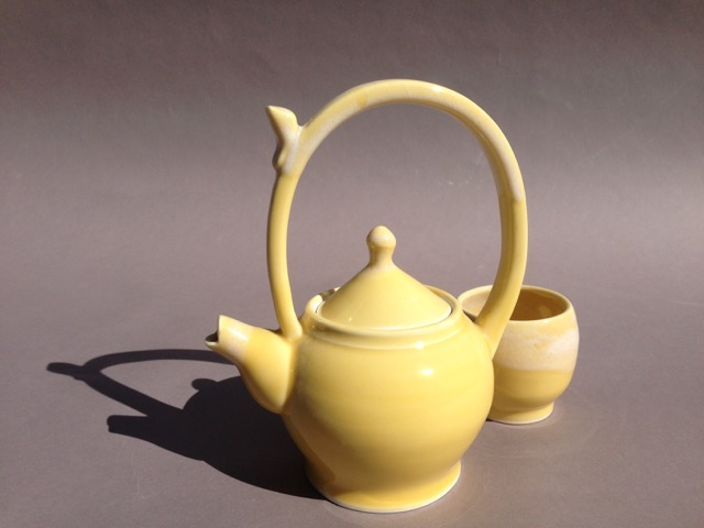 ceramic-yellow-teapot-mug
